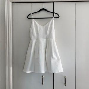 DO+BE short white pleated dress